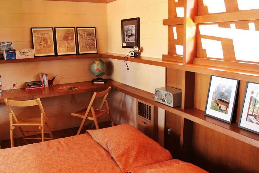 Gordon House bedroom