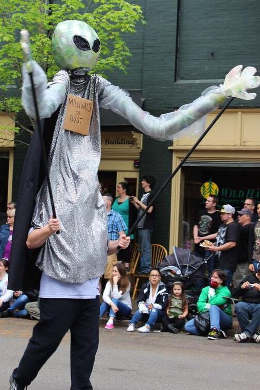 Ufofest alien puppet