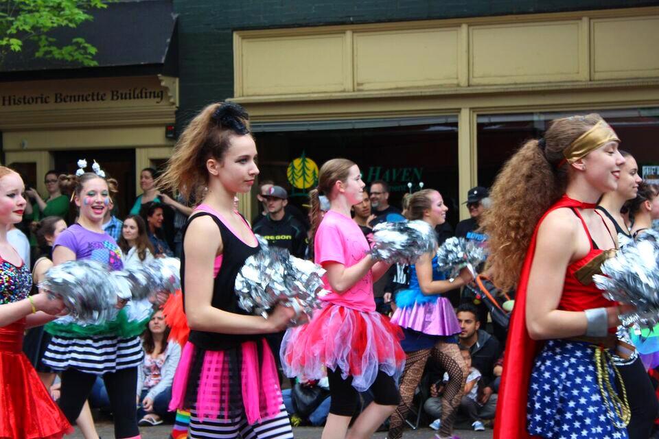Ufofest cheerleaders