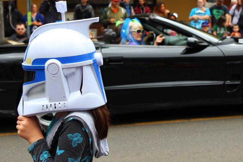 Ufofest helmet girl