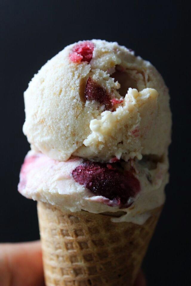 Salt straw peach ice cream