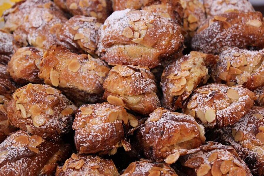 Brunch village croissant