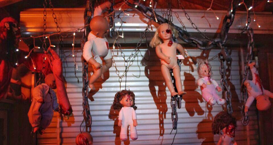 Doll asylum hanging wall