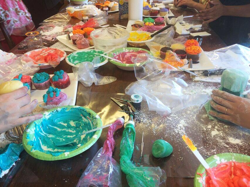 Pdx Skillshare messy table