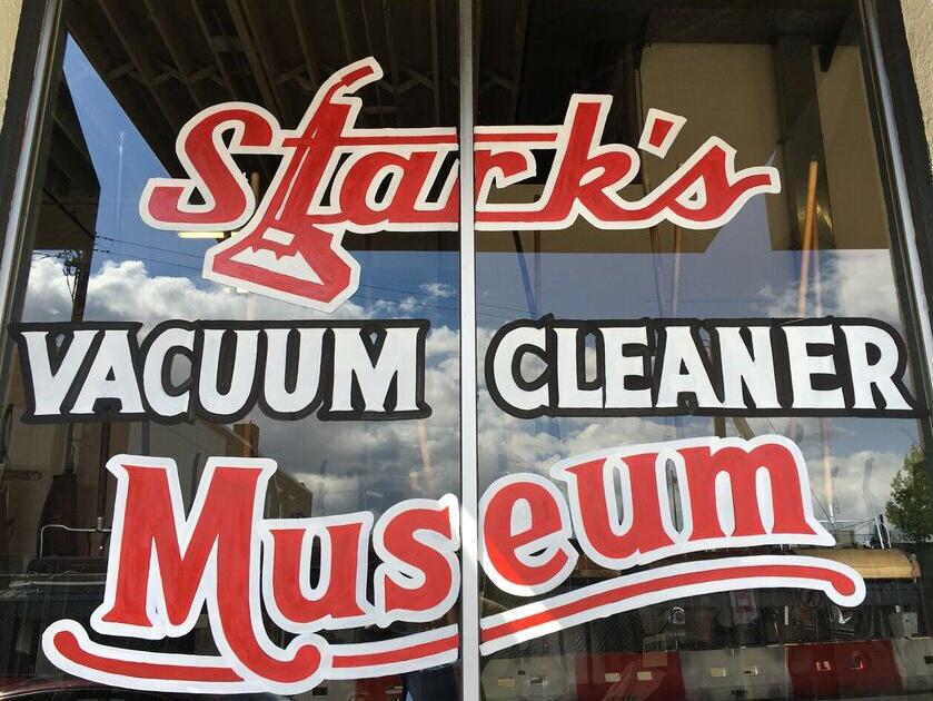 Vacuum Museum sign