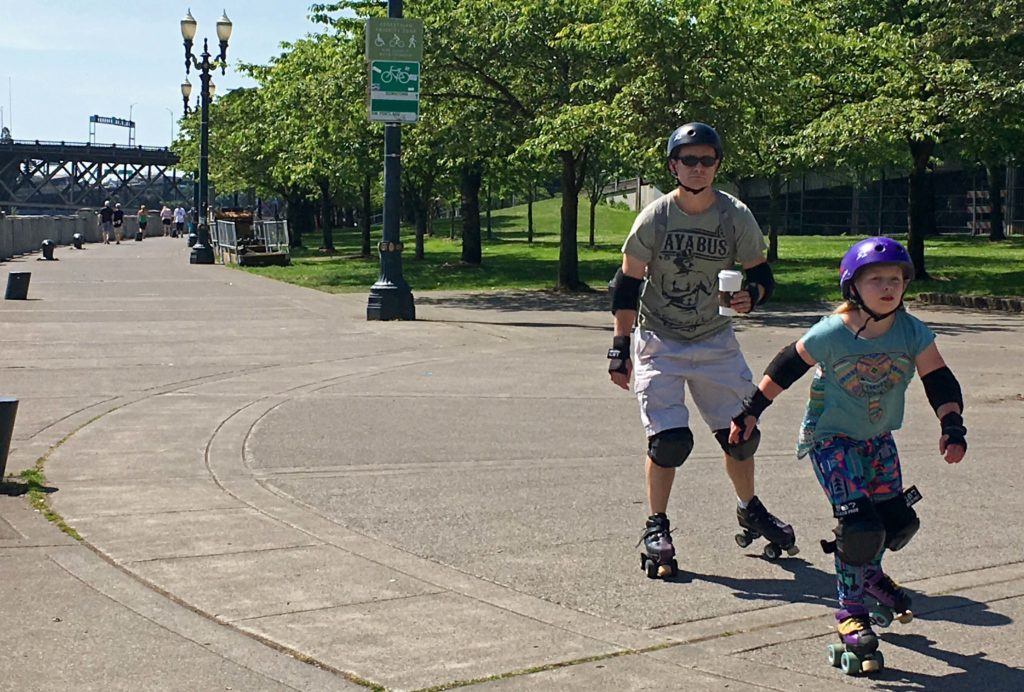 Waterfront Loop rollerbladers