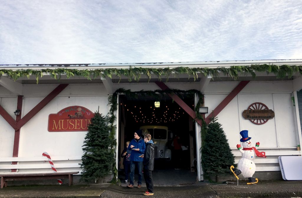 christmas-in-dairyville-wagon-museum