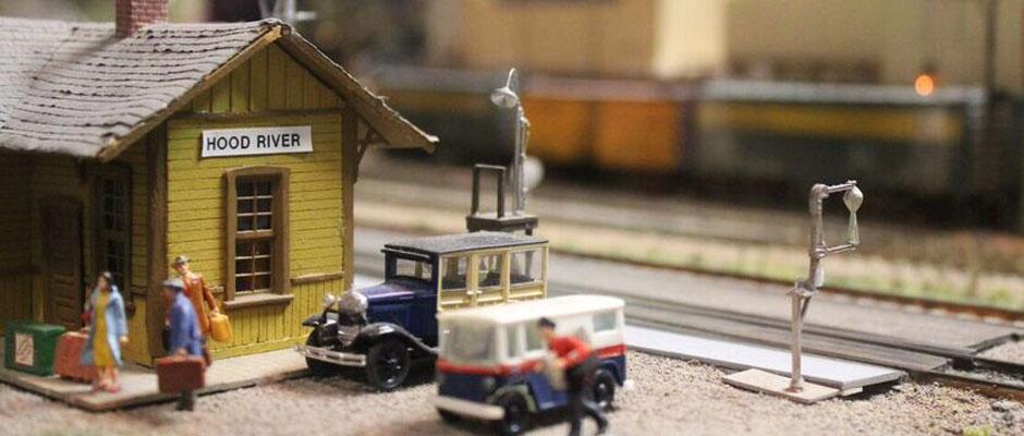 Model railroad hood river cover